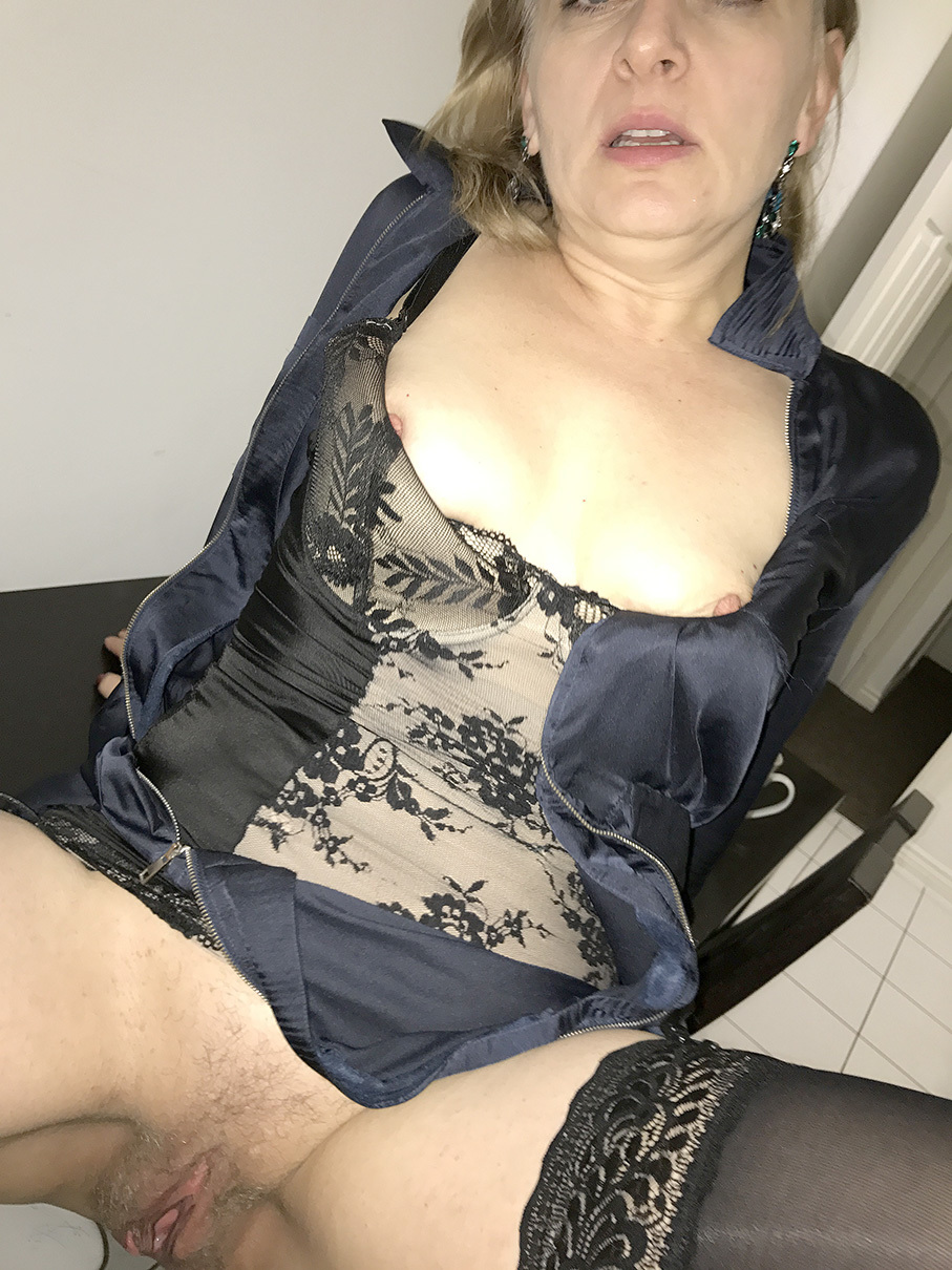 Caroline 40 polish mature slut