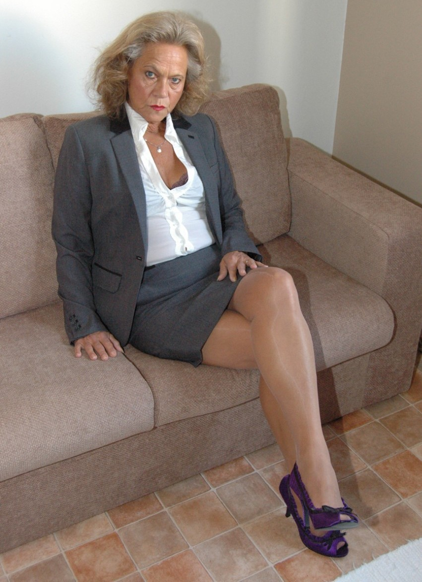 Sheer pantyhose legs amateur