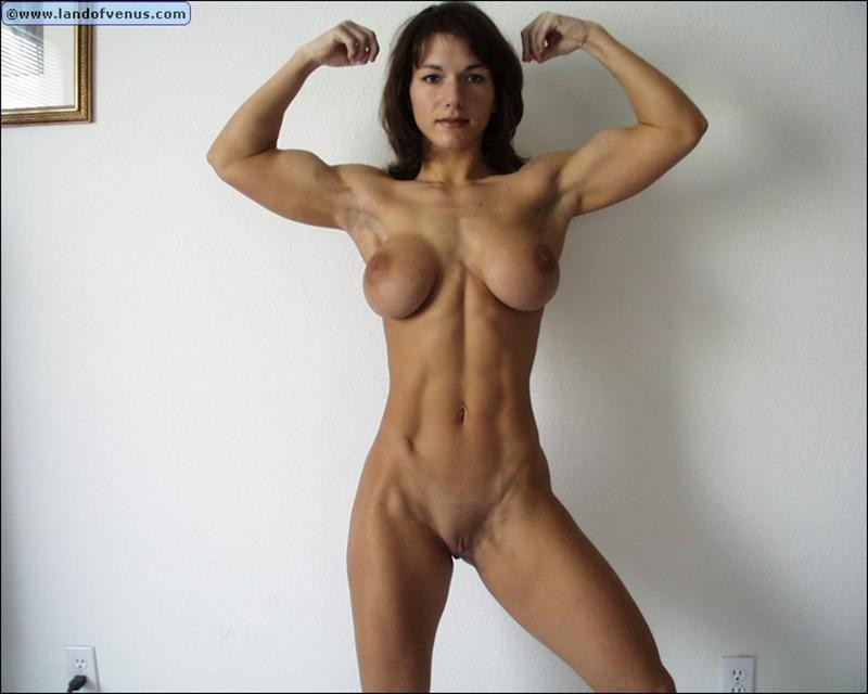 Muscle Girls hairy pussy
