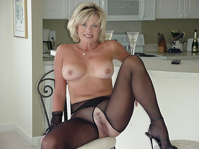 Mature full of cum