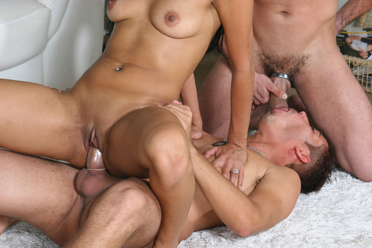 Bi Threesome Mmf Amateur