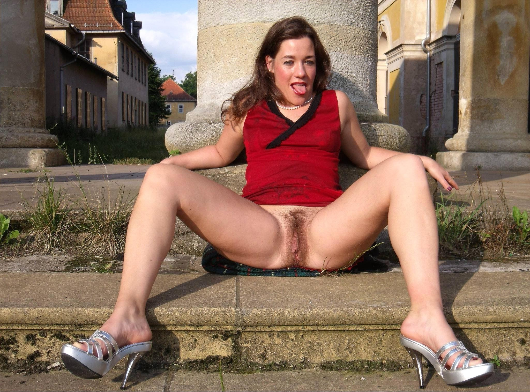 mature-xxx-upskirt-video