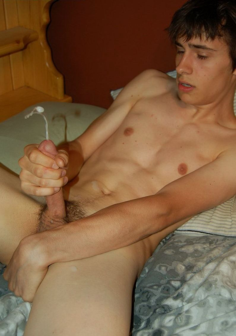 squirting cock of a cute guy