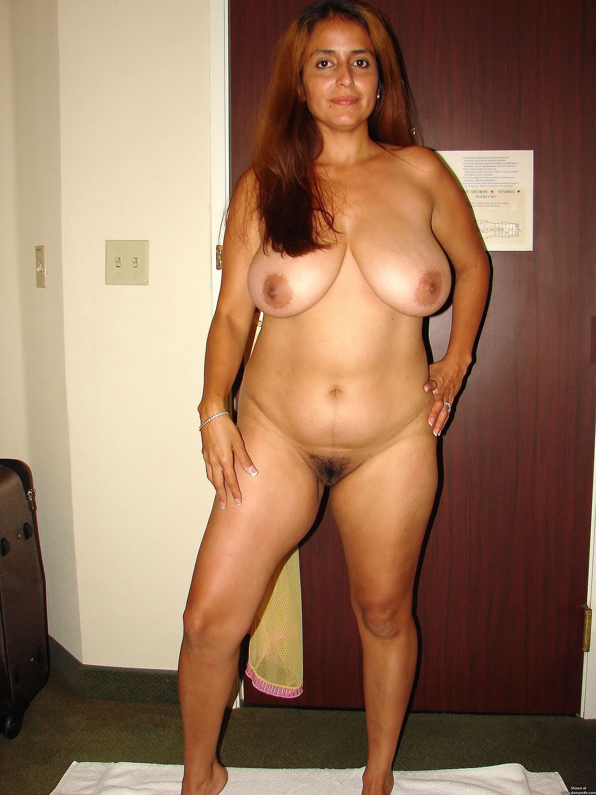 Nude indian girl shaved pussy
