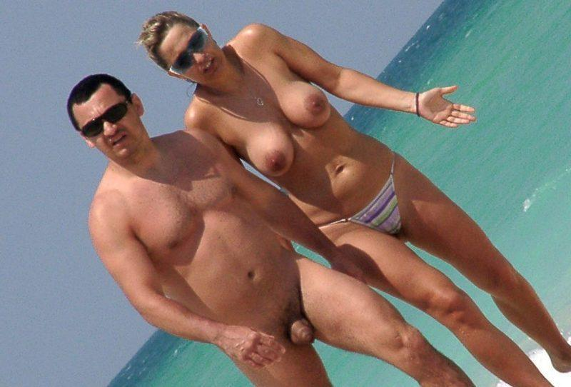 Young nudist daughter