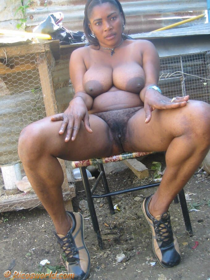 Ricos phat hairy amateur, self glasses topless