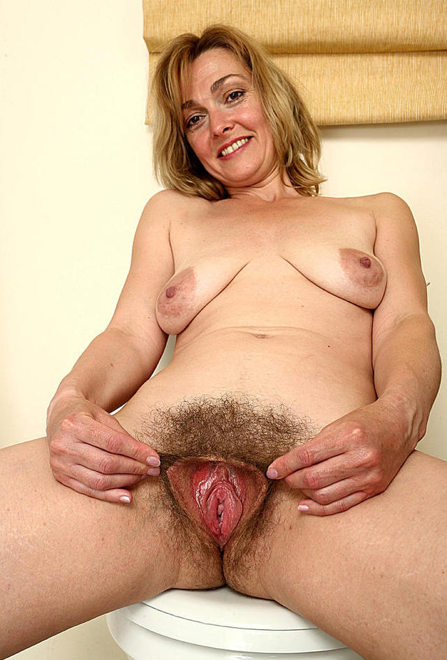 Hairy mother cunt