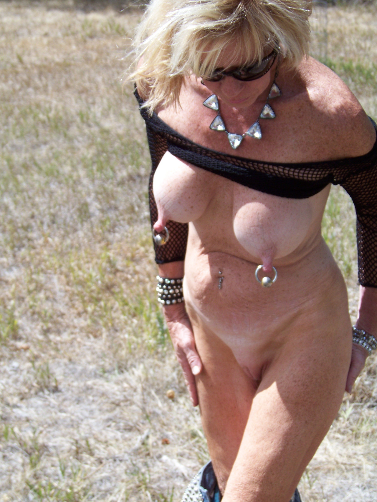 Showing Porn Images For Mature Pierced Porn  Wwwhandy -7484