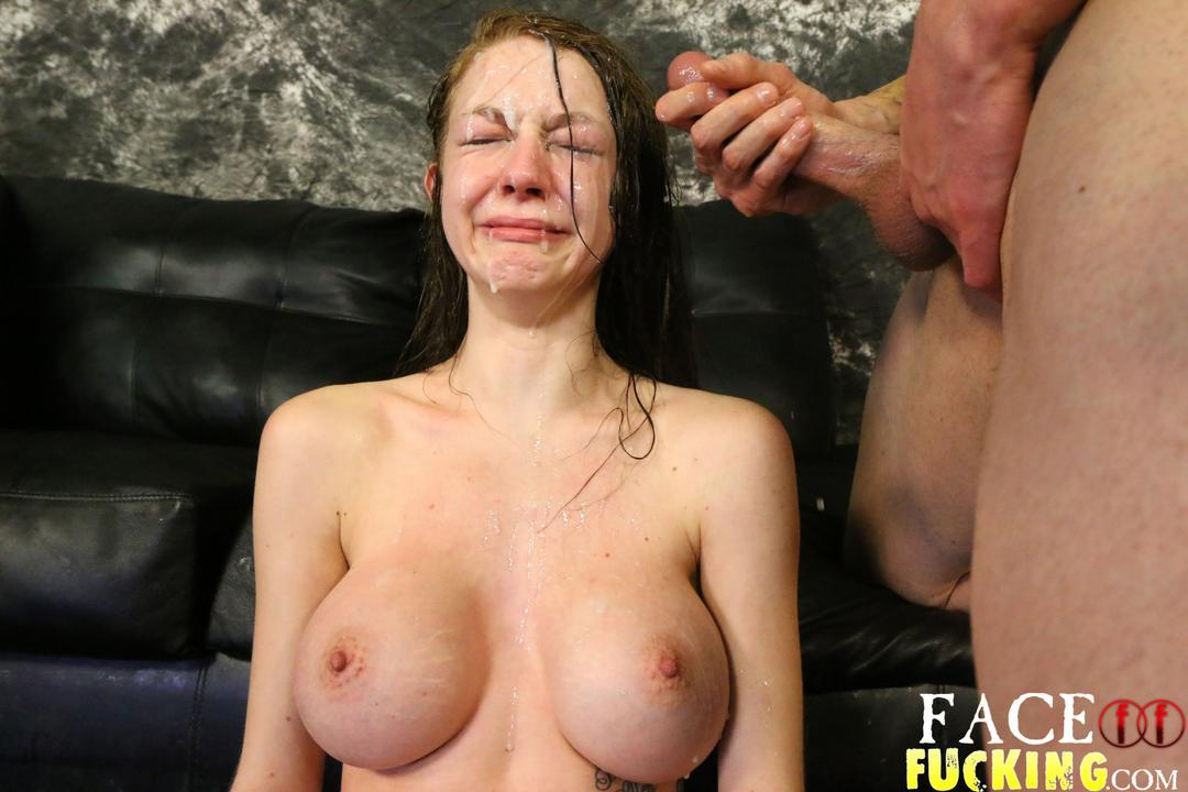 Dolly Miniarsch Dildo Cumshot