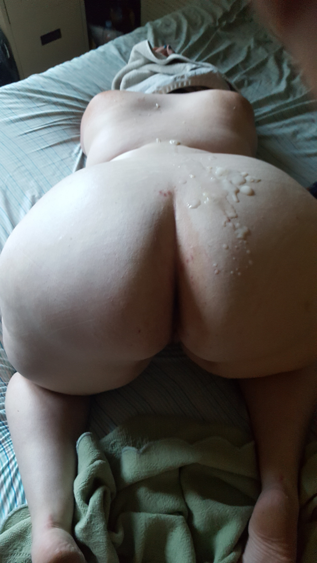Hariey ass wife post