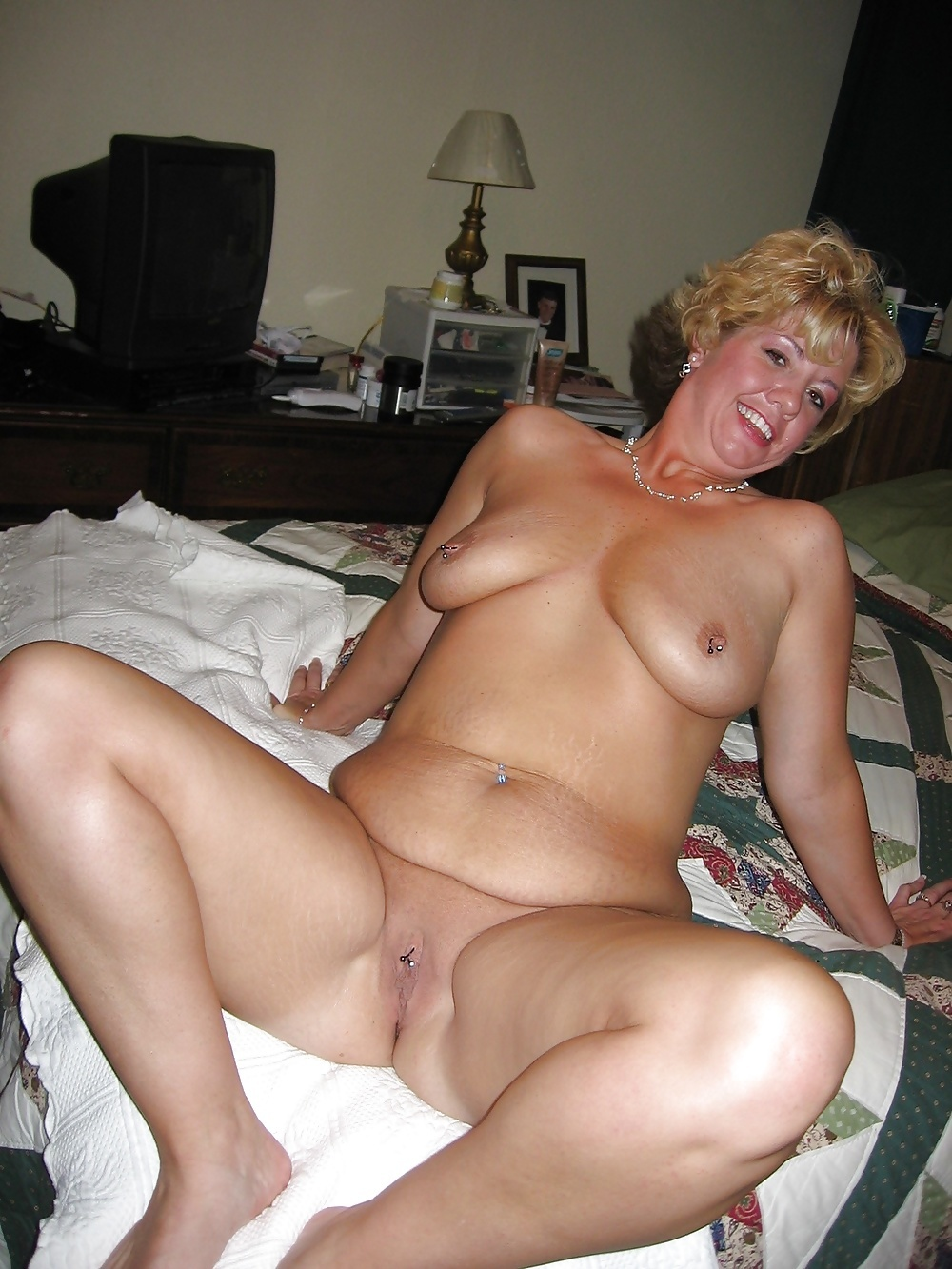 Naked wife mature