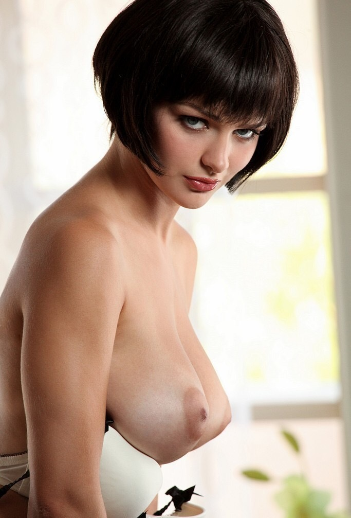 sexy-girl-with-a-bob-nude-hot-sexy-girls-fighting