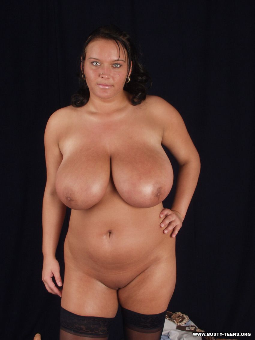 curvy women - woman with big tits and like to show the ...