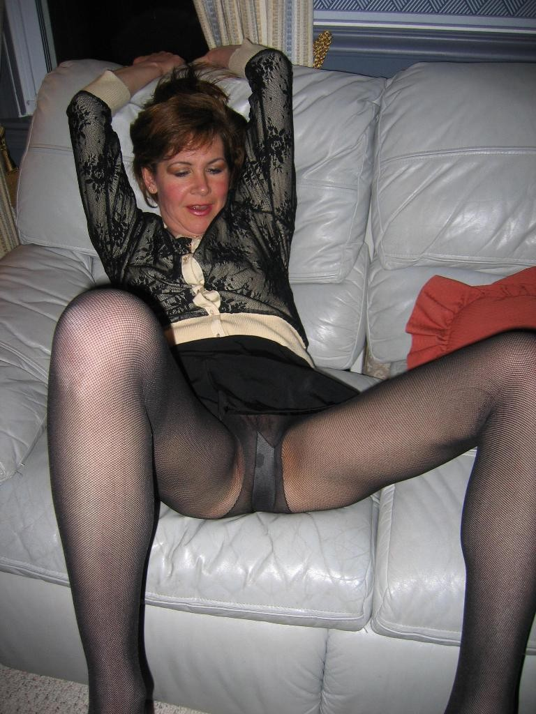 Mature pantyhose free pages