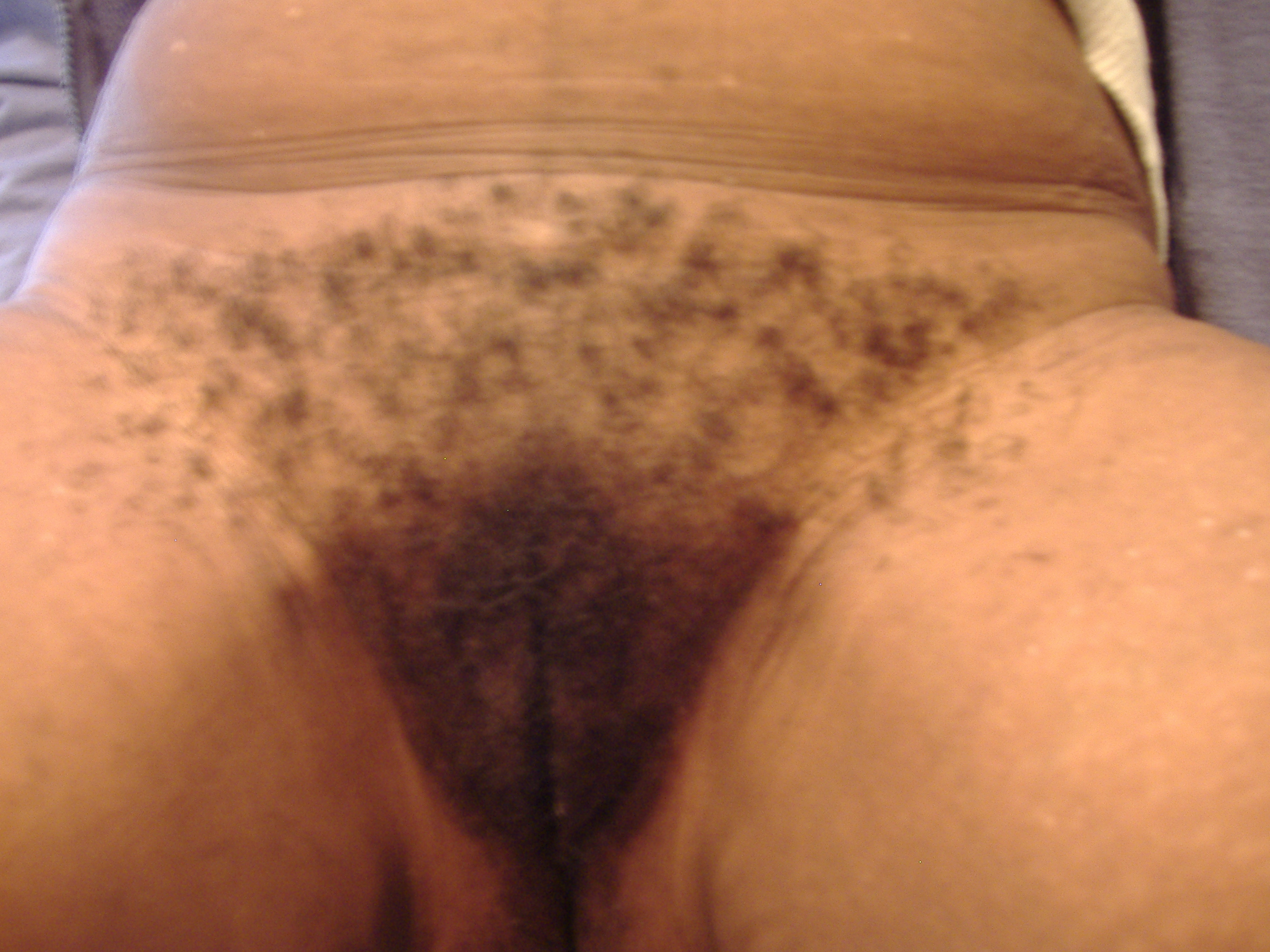 Ebony virgin and mandingo