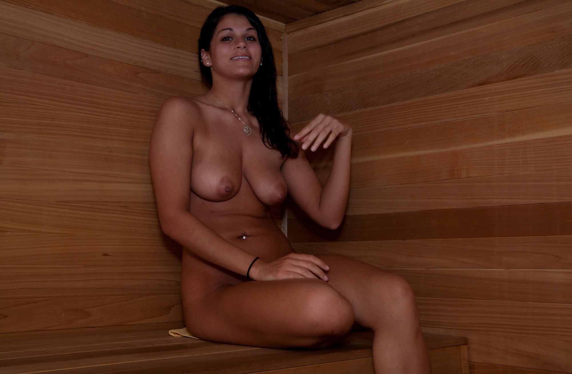 maid-almost-naked-woman-sauna-clubs-east-valley