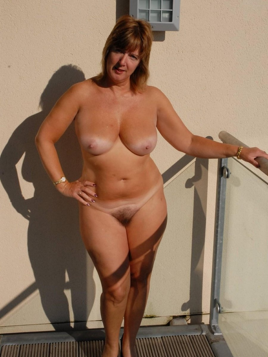 Nudist gallery mature