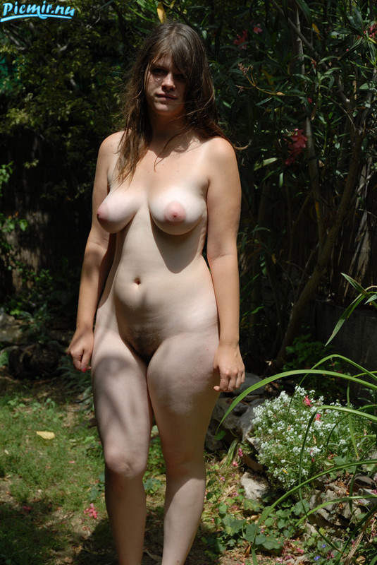 curvey unshaved young woman