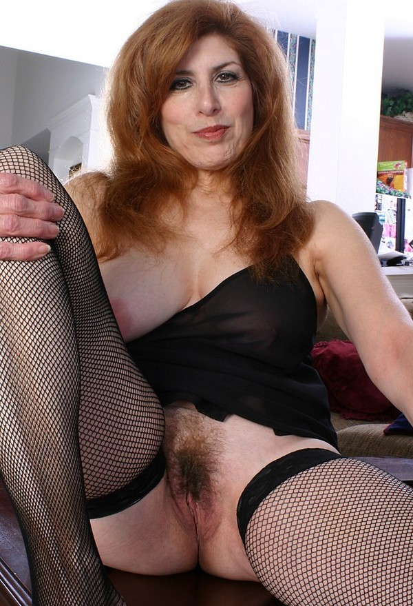Mature fishnet stockings