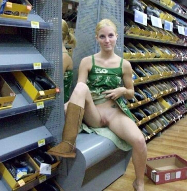 Flashing upskirt shoe pussy store in